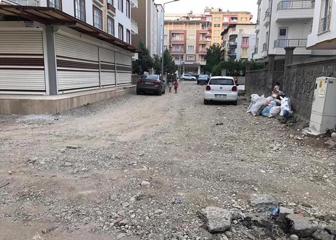 İnşaatlar bitti, sokaklar yapılmadı