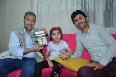 Baba, engelli kızının hayatını kitaplaştırdı
