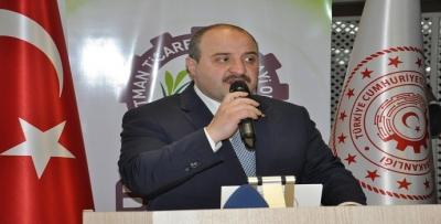 Bakan Varank'tan iş adamlarına istihdam çağrısı