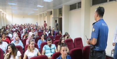 ÖĞRETMENLERE 'TRAFİK' EĞİTİMİ