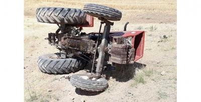 Traktör can aldı