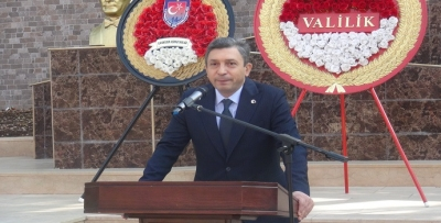 Vali Şahin'den 'güçlü Cumhuriyet' vurgusu